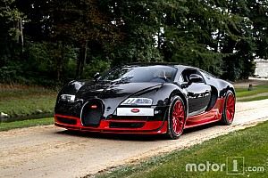Auto Actualités Photos - Un défilé de Bugatti Veyron à Chantilly