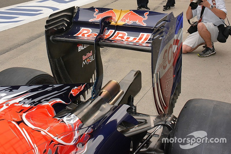 Bite-size tech: Toro Rosso sculpted rear wing flap