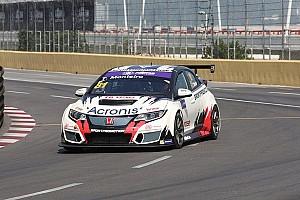 TCR Prove libere Macao, Libere 1: Monteiro svetta nonostante il traffico
