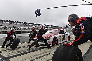 NASCAR tire changer has the chance to win a driving championship