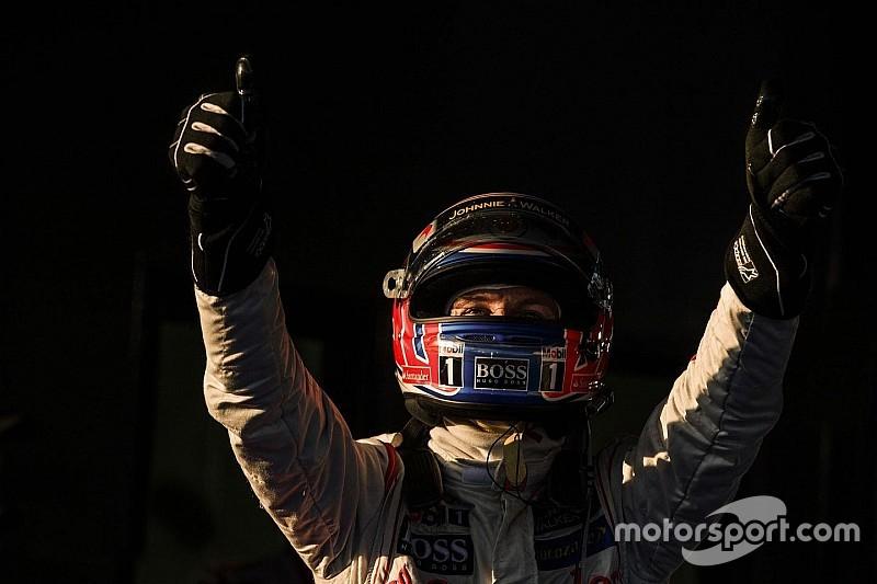 "F1""勝利への渇望""をテーマにした折原弘之写真展『Emotion』開催"
