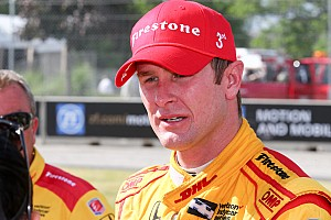IndyCar Breaking news Hunter-Reay 'close to tears' after engine problem cost likely win