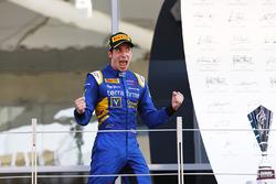 Race winner Alex Lynn, DAMS