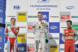 Podium: second place Ralf Aron, Prema Powerteam Dallara F312 – Mercedes-Benz; Winner Maximilian Günther, Prema Powerteam Dallara F312 – Mercedes-Benz; third place Guanyu Zhou, Motopark Dallara F312 – Volkswagen