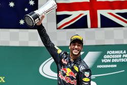 Podium: second position Daniel Ricciardo, Red Bull Racing