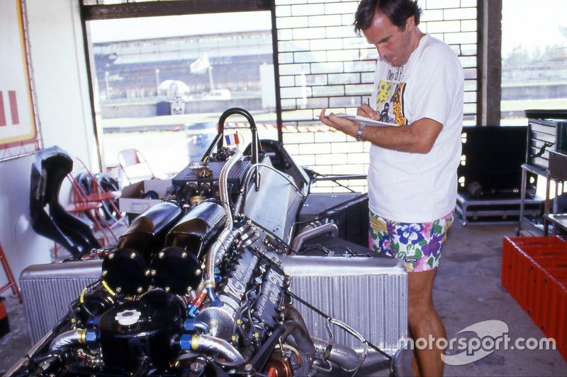 Giorgio Piola with Alain Prost, McLaren MP4/2 car at 1984 Brazilian GP