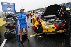 Grid girl of Tom Coronel, Roal Motorsport, Chevrolet RML Cruze TC1