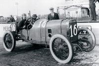 IndyCar Photos - Race winner Jules Goux, Peugeot