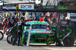 Mark Winterbottom, Prodrive Racing Australia Ford, pit action