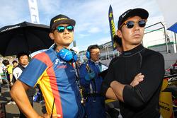 小林可夢偉(SUNOCO Team LeMans)と脇阪寿一