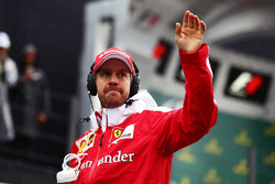 Temporada 2016 F1-brazilian-gp-2016-sebastian-vettel-ferrari-on-the-drivers-parade