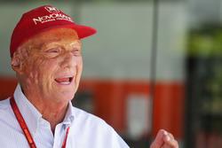 Temporada 2016 F1-malaysian-gp-2016-niki-lauda-mercedes-non-executive-chairman