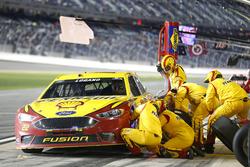 Pit stop Joey Logano, Team Penske Ford