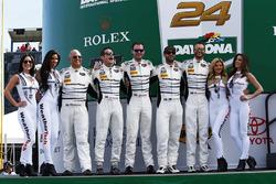 #22 Alex Job Racing Porsche 991 GT3 R: Cooper MacNeil, Leh Keen, David MacNeil, Gunnar Jeannette, Shane van Gisbergen with the lovely WeatherTech girls