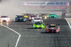 Start action, #2 Black Falcon Mercedes AMG GT3: Khaled Al Qubaisi, Jeroen Bleekemolen, Patrick Assenheimer, Manuel Metzger leads
