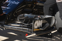 Formula 1 Foto - McLaren MP4-31: l'ala anteriore nuova di Austin