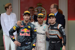 Temporada 2016 F1-monaco-gp-2016-the-podium-daniel-ricciardo-red-bull-racing-second-lewis-hamilton-merced