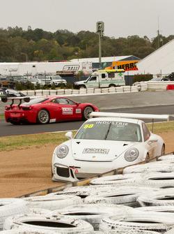 Rodney Loomes, Porsche 987C Cayman S