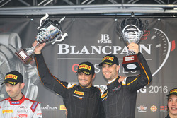 Podium: winner #58 Garage 59 McLaren 650S GT3: Rob Bell, Alvaro Parente