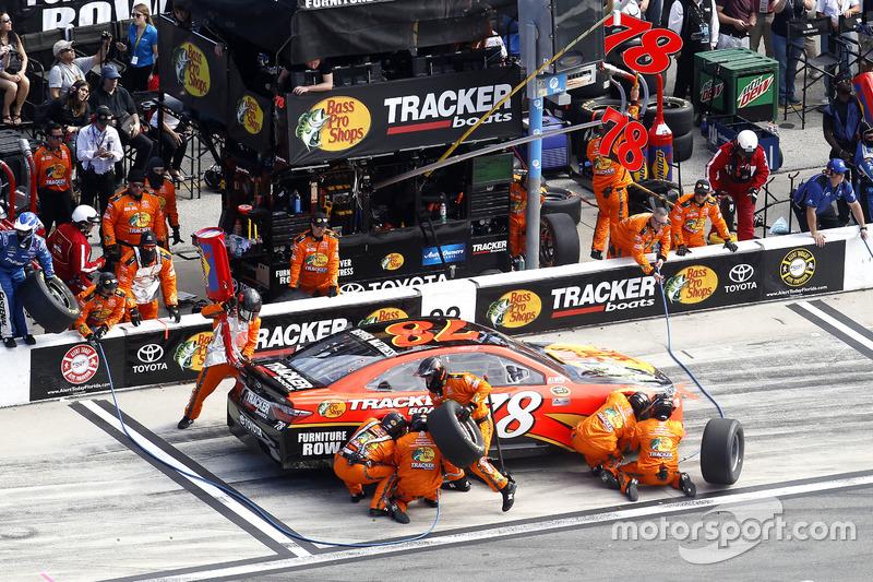 Pit Stop Martin Truex Jr Furniture Row Racing Toyota At Daytona 500