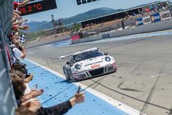 Race winners #911 Precote Herberth Motorsport Porsche 991 GT3 R: Alfred Renauer, Robert Renauer, Daniel Allemann, Ralf Bohn