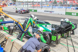 Conor Daly, Dale Coyne Racing Honda, pit action