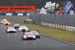 #1 Nismo Nissan GT-R Nismo GT3: Tsugio Matsuda, Ronnie Quintarelli leads