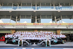 Lewis Hamilton, Mercedes AMG F1 and team mate Nico Rosberg, Mercedes AMG F1 at a team photograph
