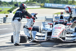 Will Power, Team Penske Chevrolet pit action