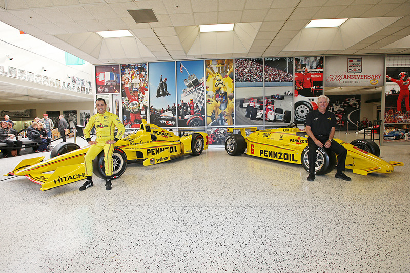 Helio Castroneves, Team Penske Chevrolet and Rick Mears
