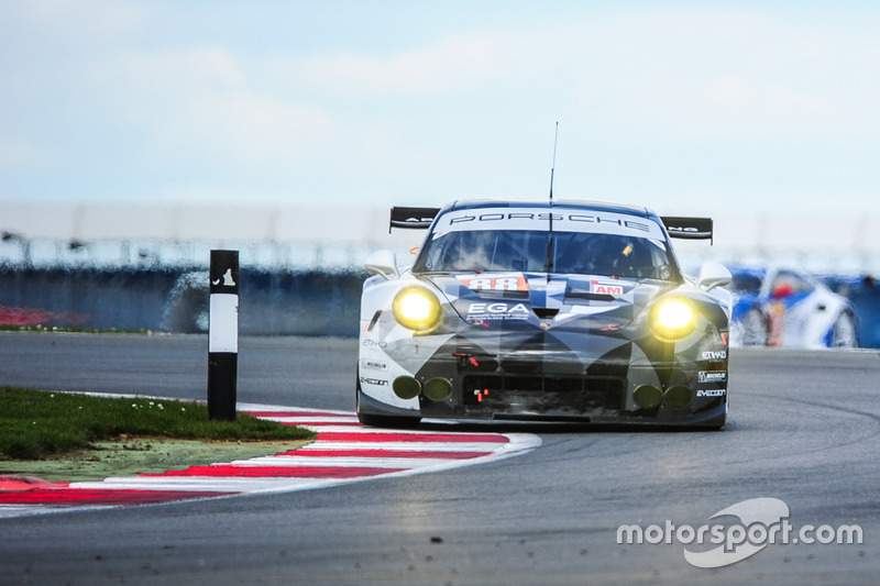 #88 Proton Racing Porsche 911 RSR: Khaled Al Qubaisi, David Heinemeier Hansson, Klaus Bachler