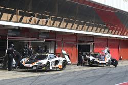 #59 Garage 59 McLaren 650S GT3: Martin Plowman, Andrew Watson, #58 Garage 59 McLaren 650S GT3: Rob Bell, Alvaro Parente