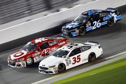 David Gilliland, Front Row Motorsports Ford, Kyle Larson, Chip Ganassi Racing Chevrolet