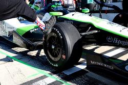 Justin Wilson tribute socks in Conor Daly, Dale Coyne Racing Honda pit stall