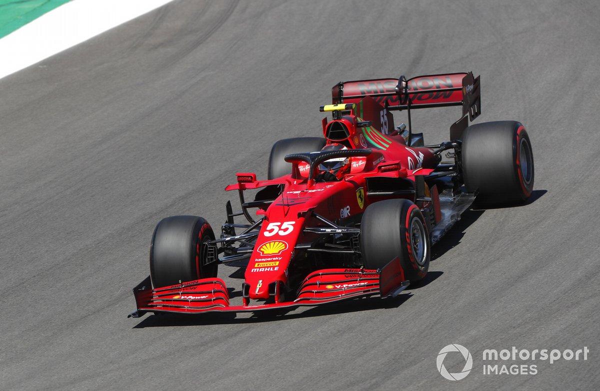 P5 Carlos Sainz Jr., Ferrari SF21