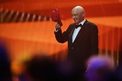 Niki Lauda, Mercedes Non-Executive Chairman takes his cap off