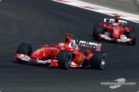 Ecclestone urges Ferraris to race each other