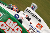 IRL: Kanaan hangs on to win Nashville