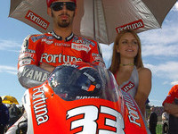 Melandri off to Honda in 2005