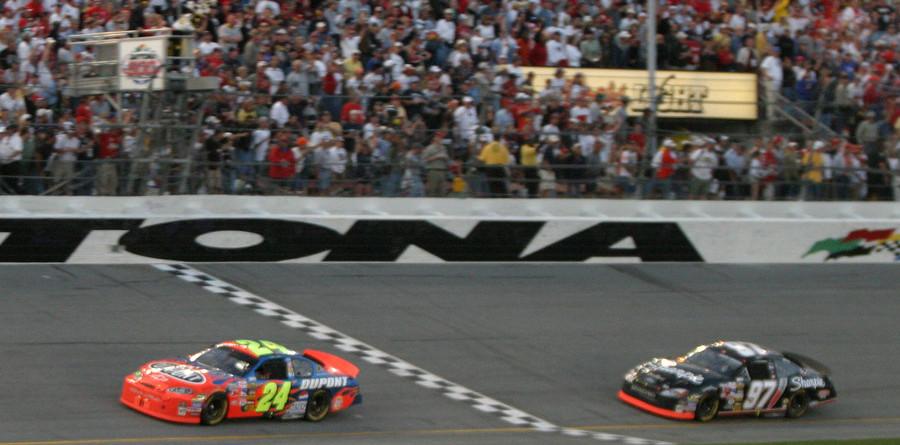 Gordon grabs wild 500 win at Daytona