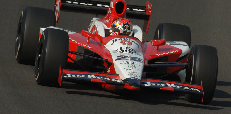 IRL: Wheldon outlasts competition at Motegi