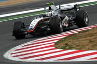 De la Rosa holds steady on British GP Friday