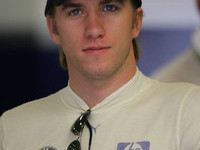 Heidfeld signs for BMW from 2006 onwards