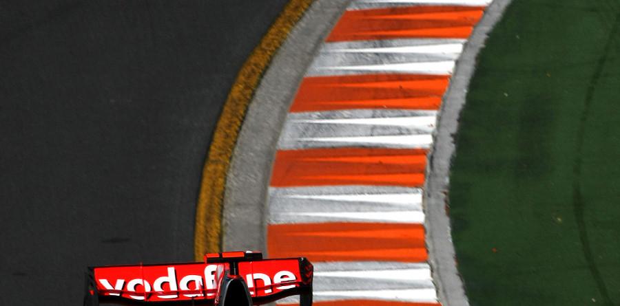 Hamilton claims Australian GP pole