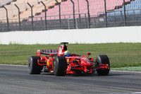 Massa puts quick end to Germany test days