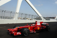 Raikkonen, Alonso fast on Valencia street circuit