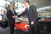 McLaren's Dennis hands off F1 role