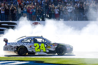 Jeff Gordon finds victory lane in Texas 