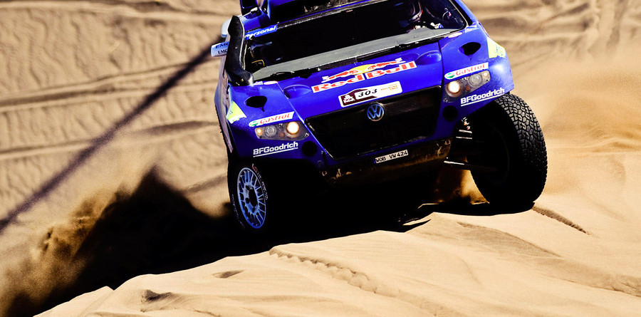Sainz takes Dakar victory in dramatic finish