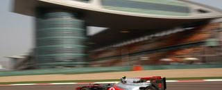 Hamilton tops practice, Buemi crashes in China